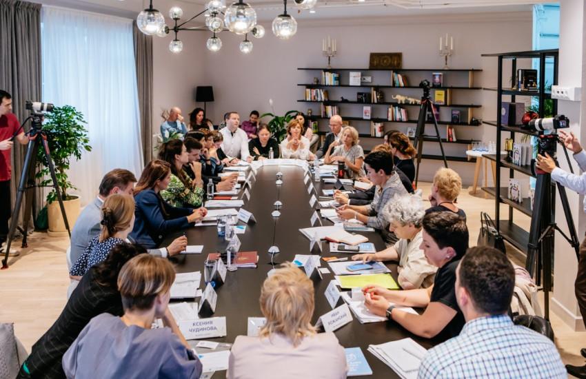 Вице-мэр Анастасия Ракова рассказала, какая помощь благотворительных организаций и волонтеров необходима соцзащите
