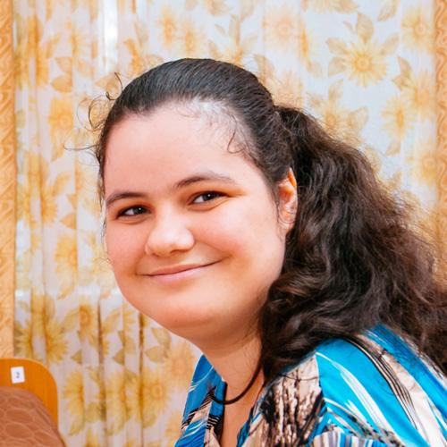 Арминэ, 19 лет