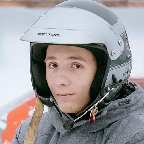 Илья, 16лет